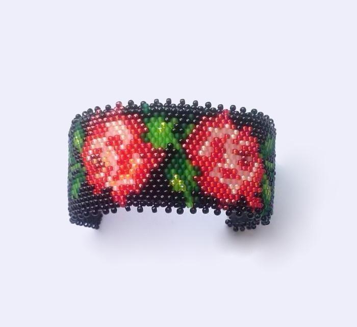 Bransoleta czerwone kwiaty polskie 2