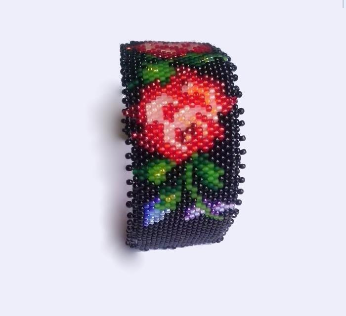 Bransoleta czerwone kwiaty polskie
