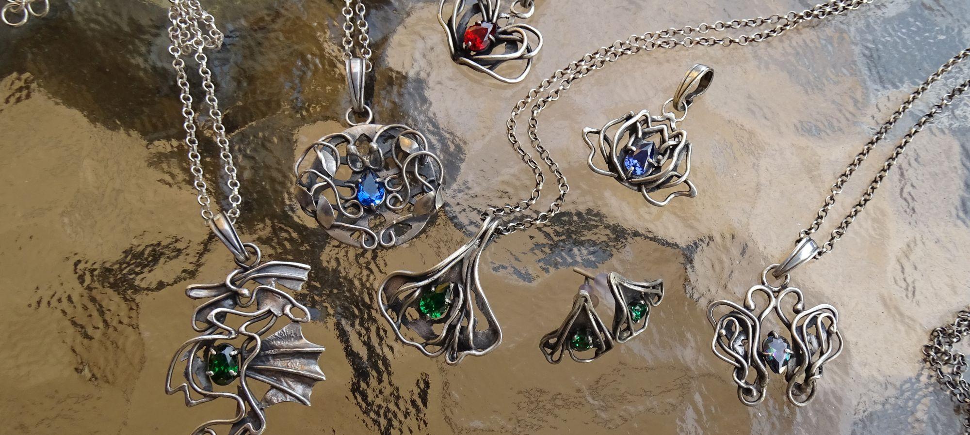 Biżuteria symboliczna: na szczęście, zdrowie, miłość